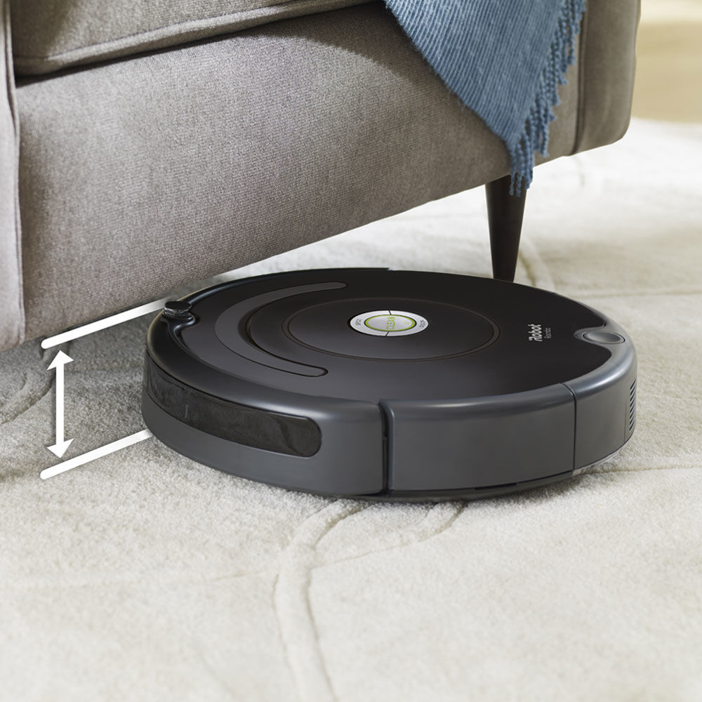 iRobot Roomba 675 Cleaning under Furniture